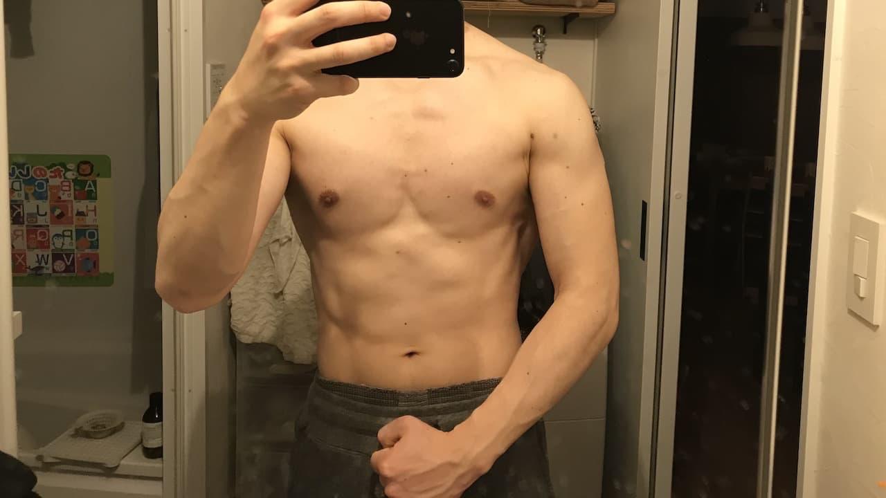 ダンベルプレス32kgの身体
